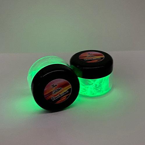 White to Green Glow Powder