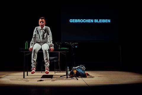 Staying Broken_1_credit Gerhard Kühne.j