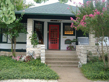 Granbury Gardens B&B located in Granbury, Texas