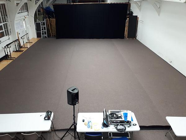 Carpeted studio 002.jpg