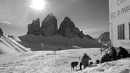 Schneeschuhwandern Sextener Dolomiten.JPG
