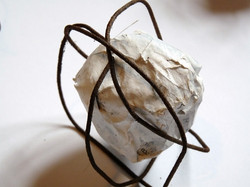 2010-Papier, acrylique, fil de fer (2).jpg