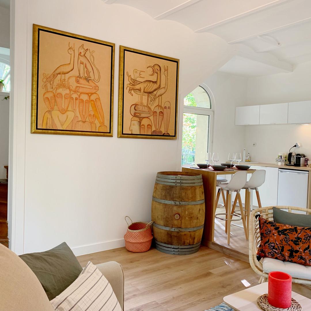 Salon avec cuisine ouverte