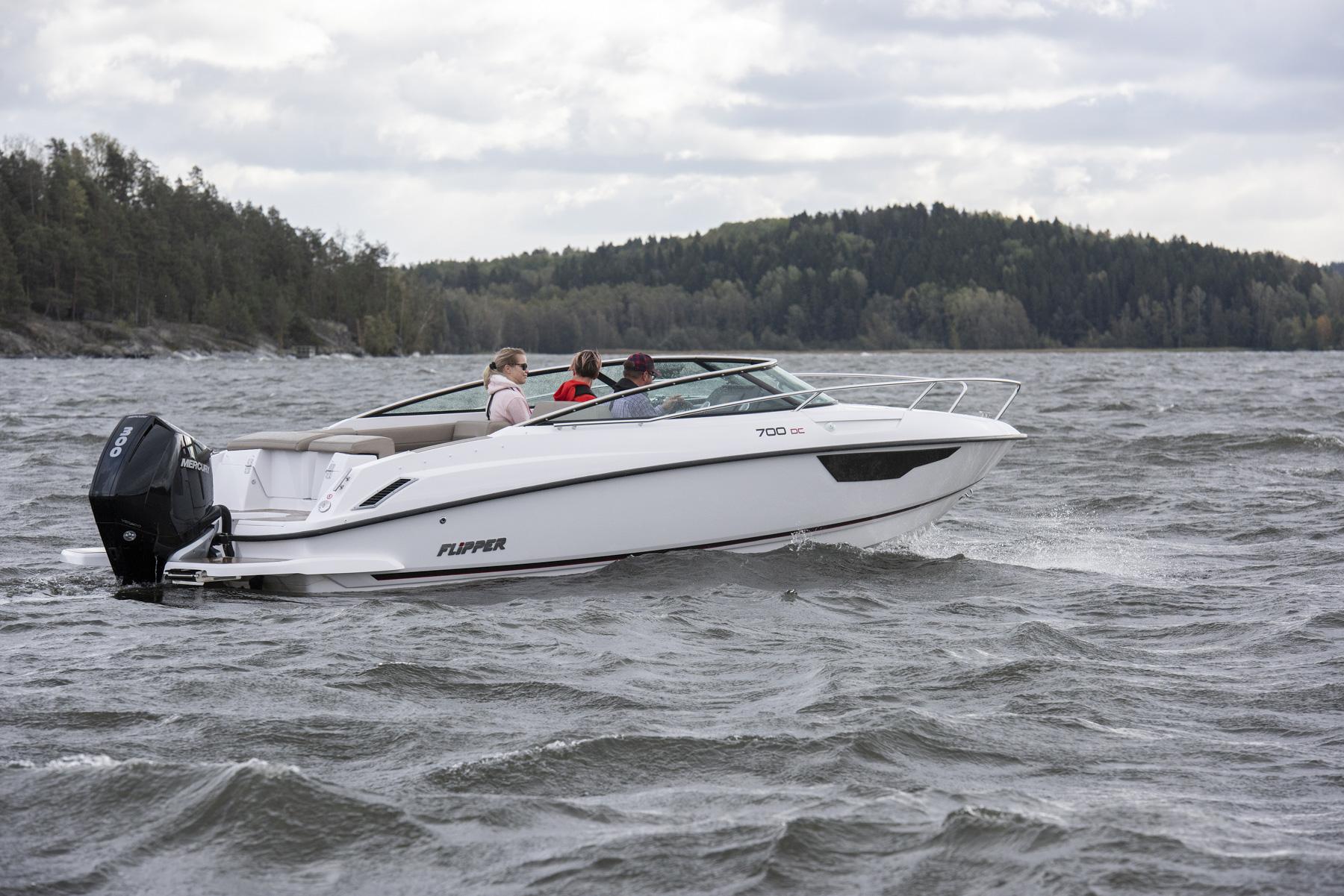 Flipper 700 Day Cruiser