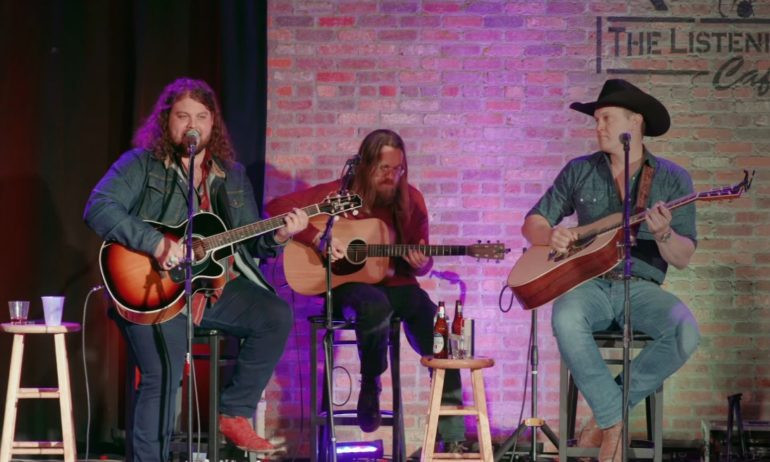 Jon Pardi joins Dillon Carmichael on stage for 'Hot Beer'
