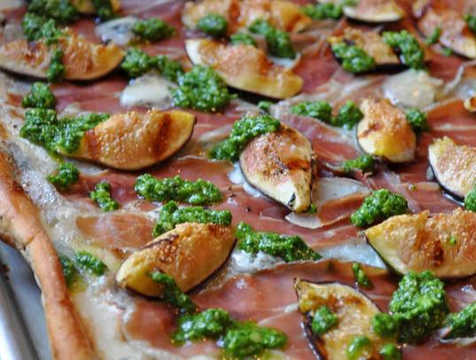 gorgonzola pizza.jpg