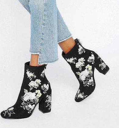 Bottines en Daim Brodées Fleurie Boho Gypsy Coachella Suede Boots