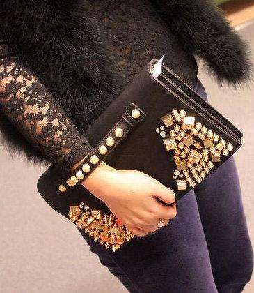 Pochette en Cuir de Soirée Rivets Dorés rare original messenger bag for party nights gold details luxe