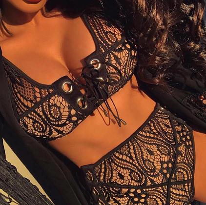 Bikini Taille Haute en Dentelle Colombine LACE-UP LACE SWIMWEAR SEXY