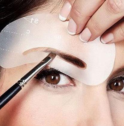 4 Modèles Pochoirs Formes de Sourcils Redessinez facilement et rapidement la forme de vos sourcils