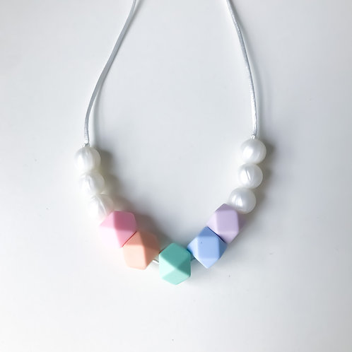 Lauren Necklace - Rainbow Pearl