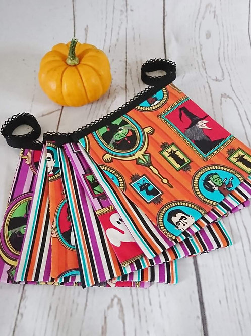 7 Square Flag Halloween Bunting