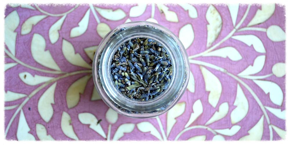 THE SCENT: Lavender in a small mason jar