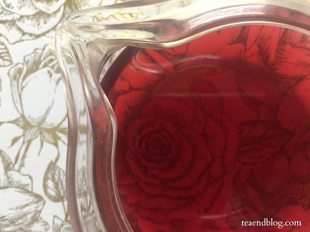 An aerial view of steeped hibiscus tea in the Hario Tea Pot Infuser