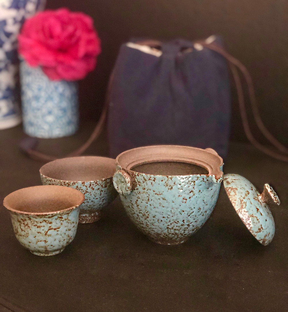 Product Review: Coarse Pottery Travel Tea Set with Canvas Bag by Umi