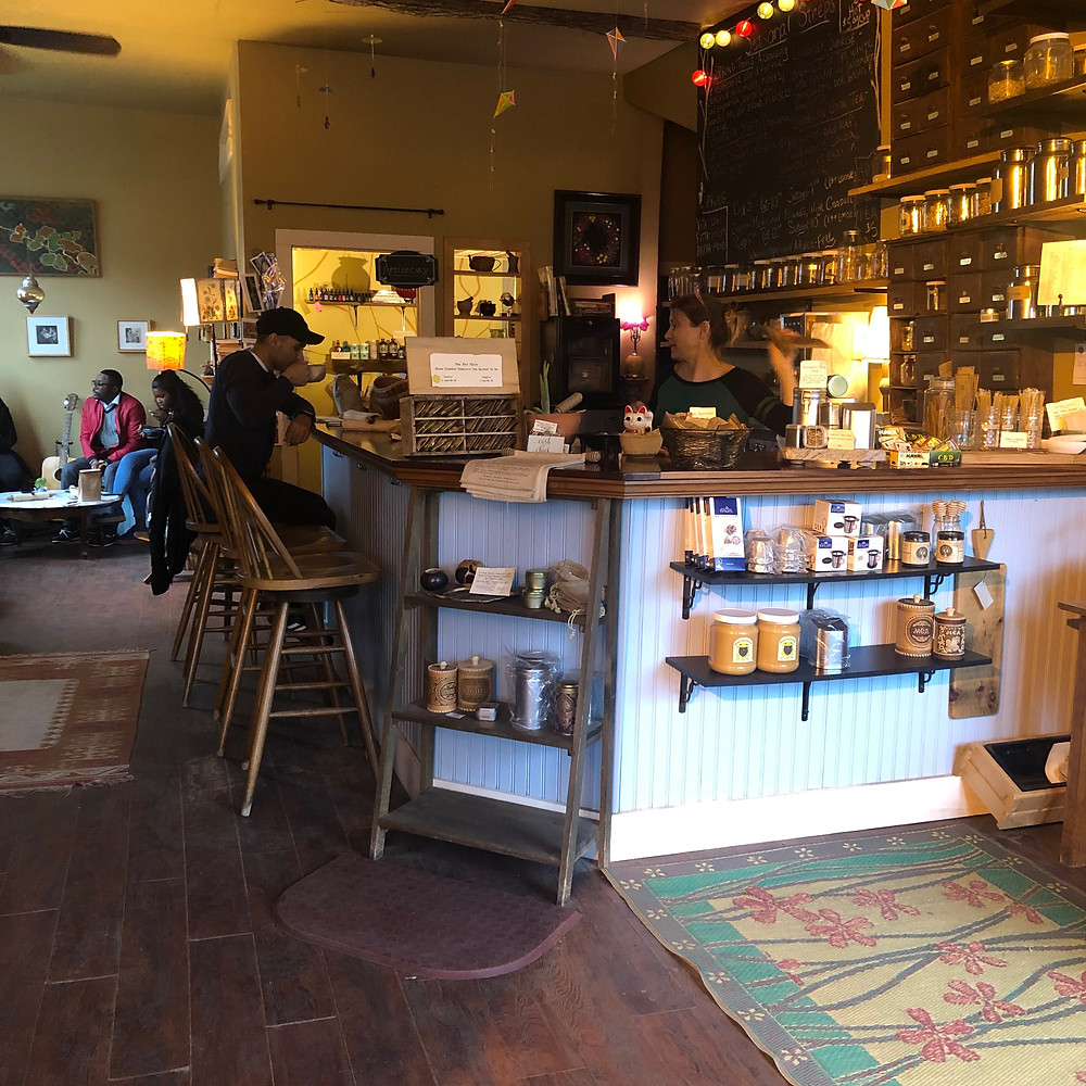Homegrown Herb & Tea: a view of the bar/serving counter