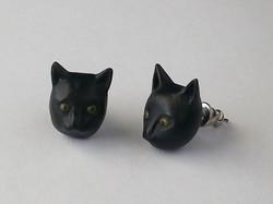 Raven's Custom Cat Earrings (Maple)