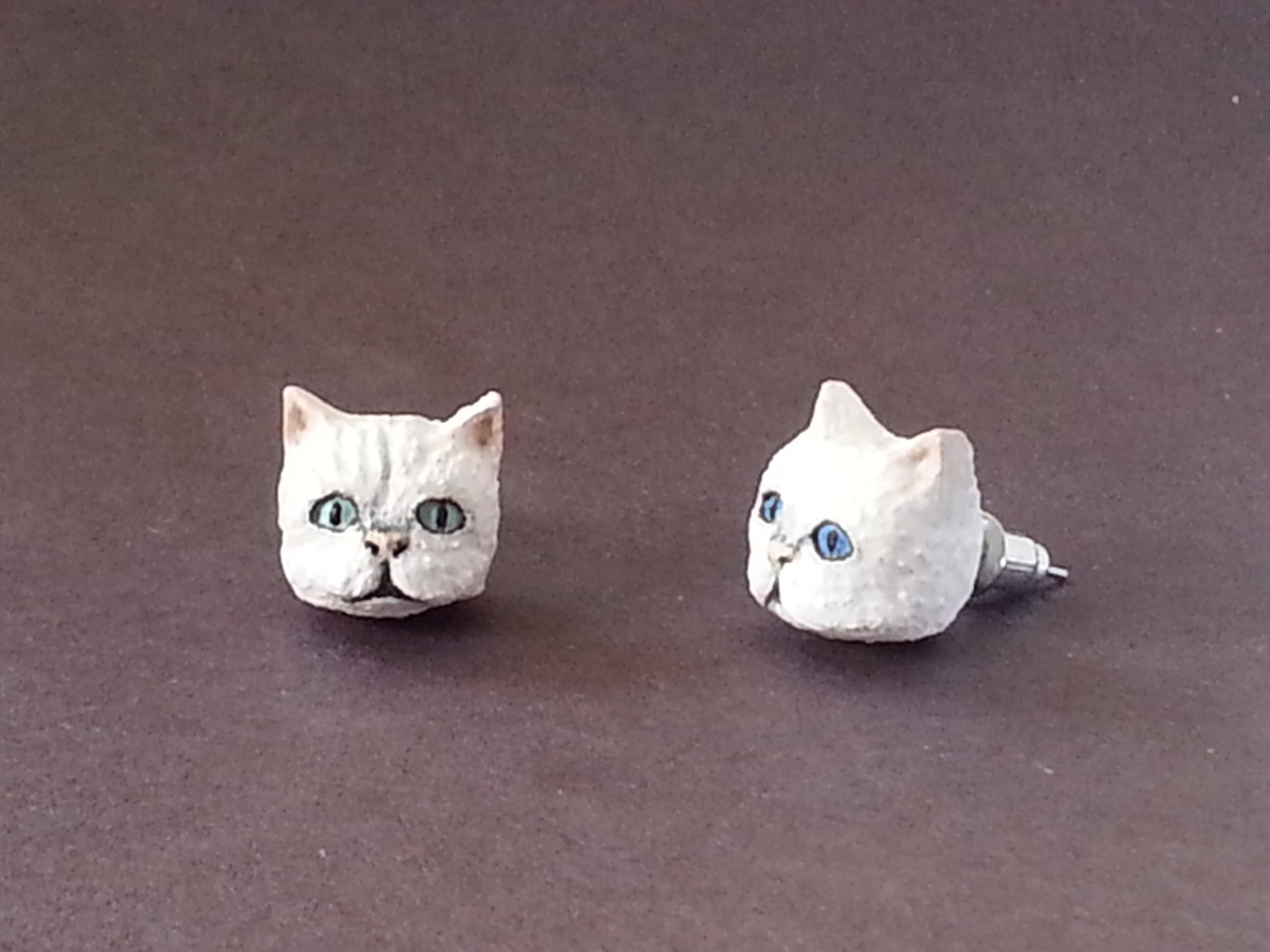(Sold) Custom Cat Earrings (Maple)
