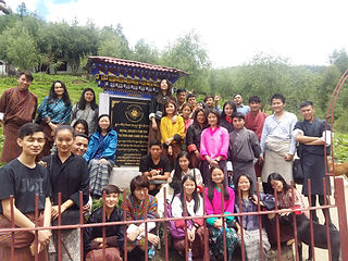 RTC students Visit the shelter.jpg