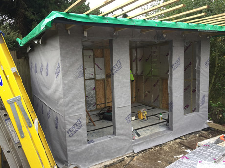 Cabin external vapour barrier