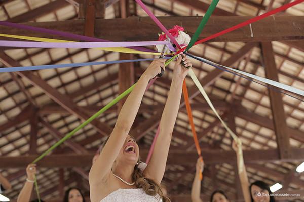 casamento-economico-sem-grana-buque-botoes-colorido-36.jpg