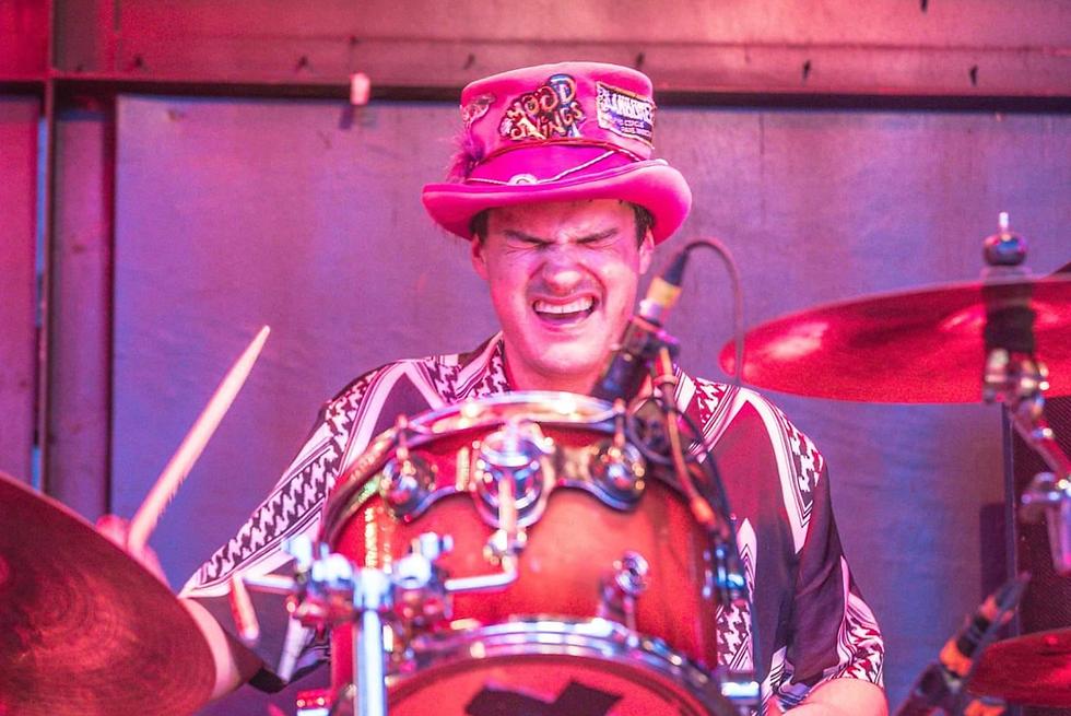 chandra walker drummer3.png