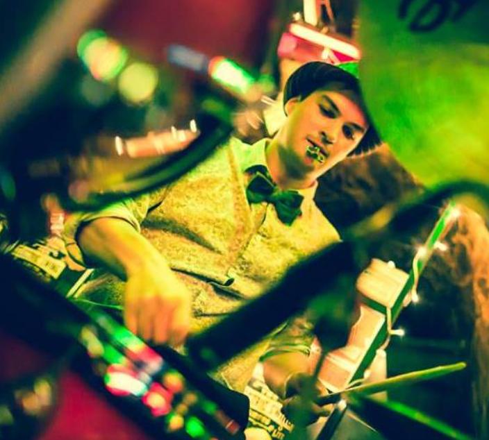 chandra walker drummer26.png