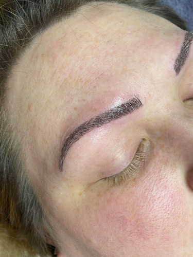 Dr Fly's Microblading_0000_104588272_936