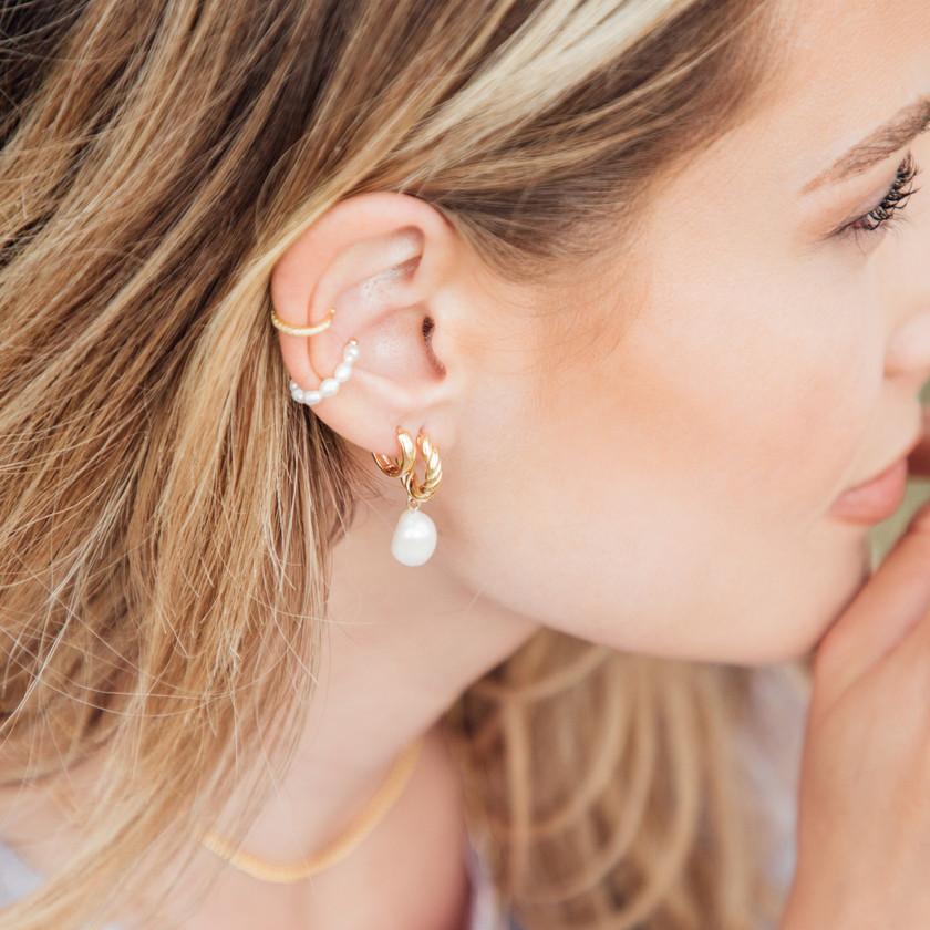 Jewellery Photographer, Jewellery Photography, Jewellery Content Creation, Jewellery Content Creator, Jewellery Photoshoot, Gold Jewellery, Model, Chocianaite Photography, Earrings, Ring