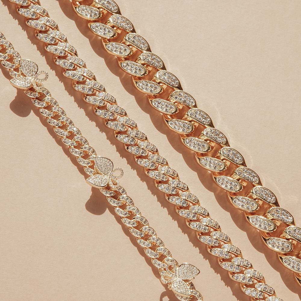 Gold necklaces, diamond gold chain, jewellery, jewellery photographer, Jewellery Photography UK, Chocianaite Photography
