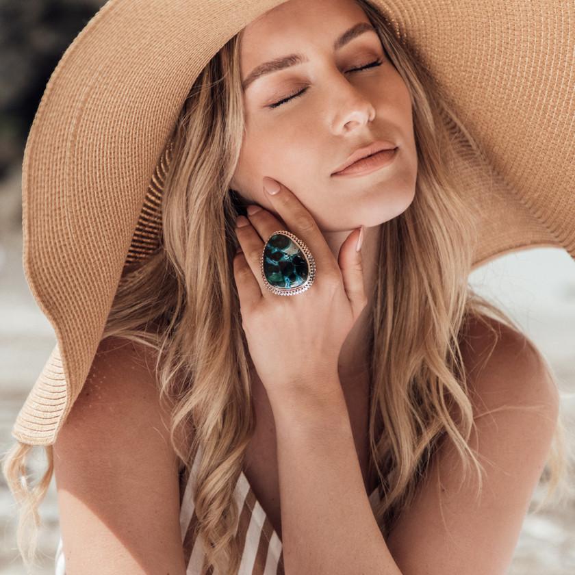 Jewellery Photographer, Jewellery Photography, Jewellery Content Creation, Jewellery Content Creator, Jewellery Photoshoot, Gold Jewellery, Model, Chocianaite Photography