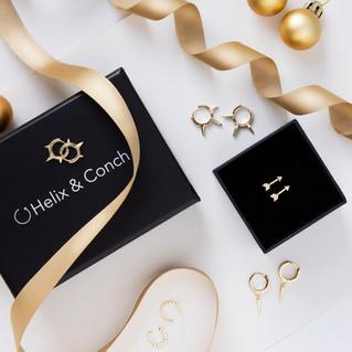 Christmas_Jewellery_Photography_Flatlay_Gold_Earrings