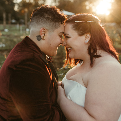brides marry in elizabeth park