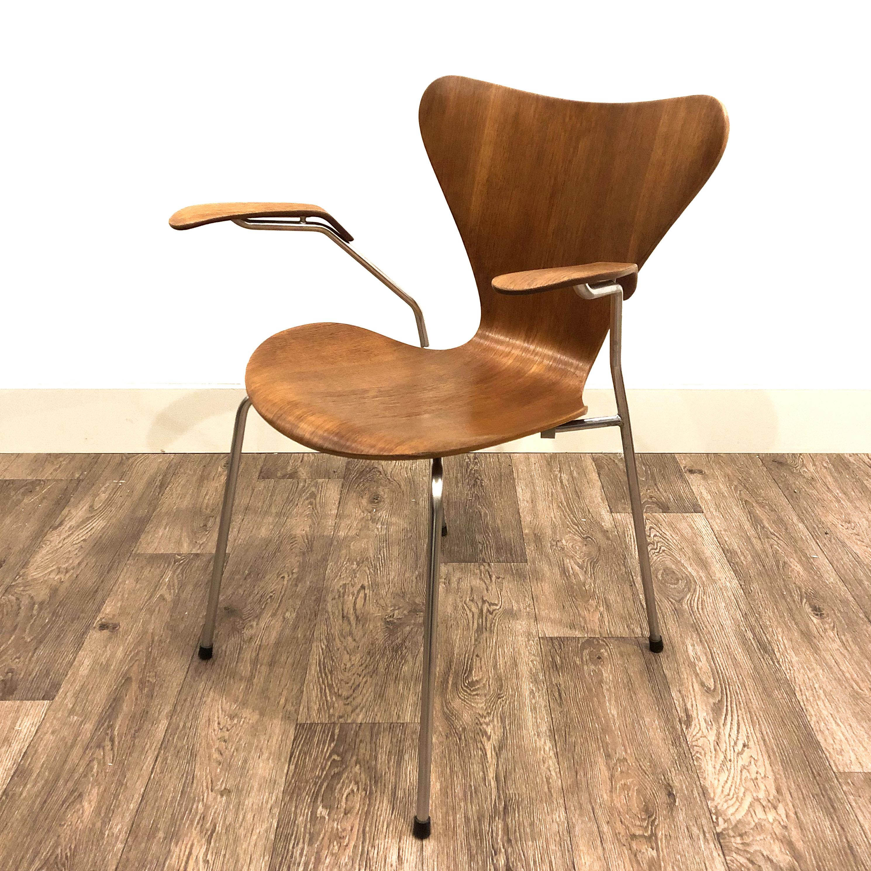 Arne Jacobsen 3207