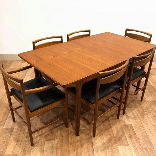 McIntosh Dining Set