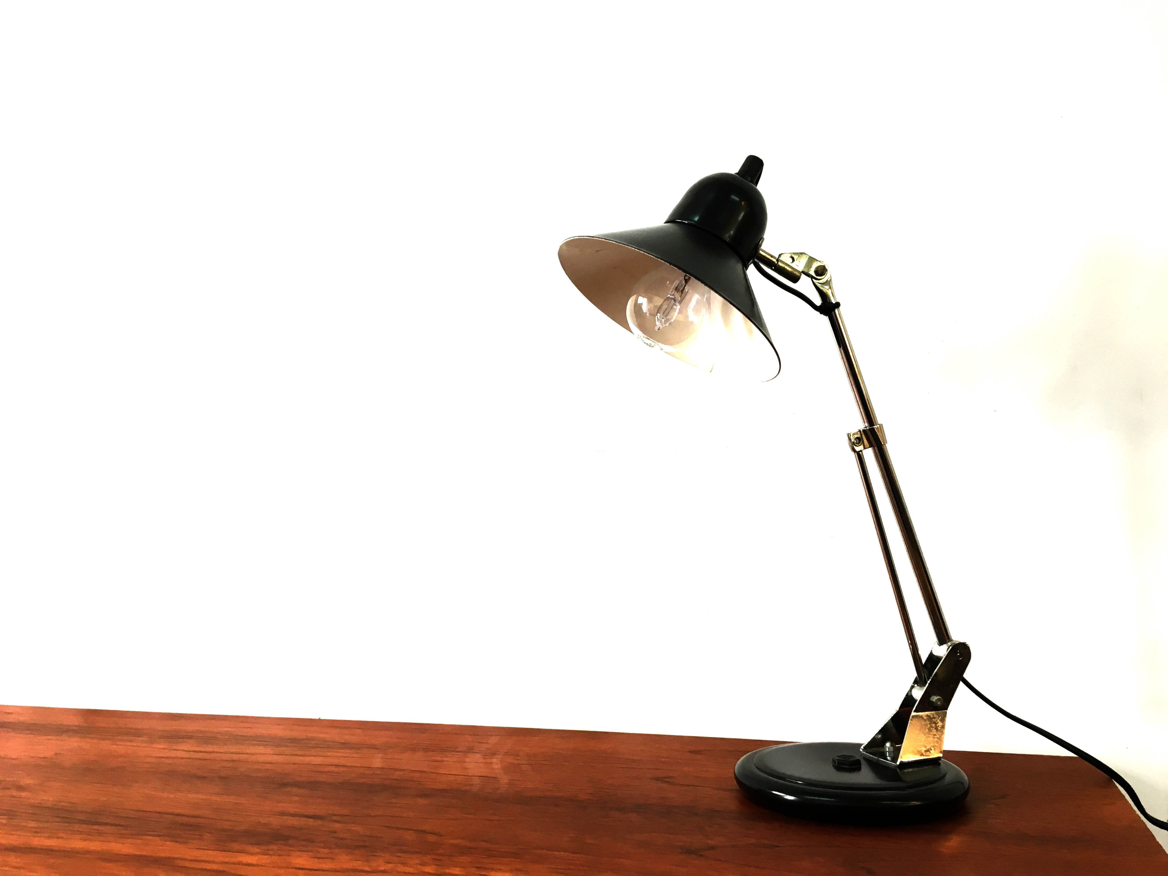 Alluminor Desk Lamp