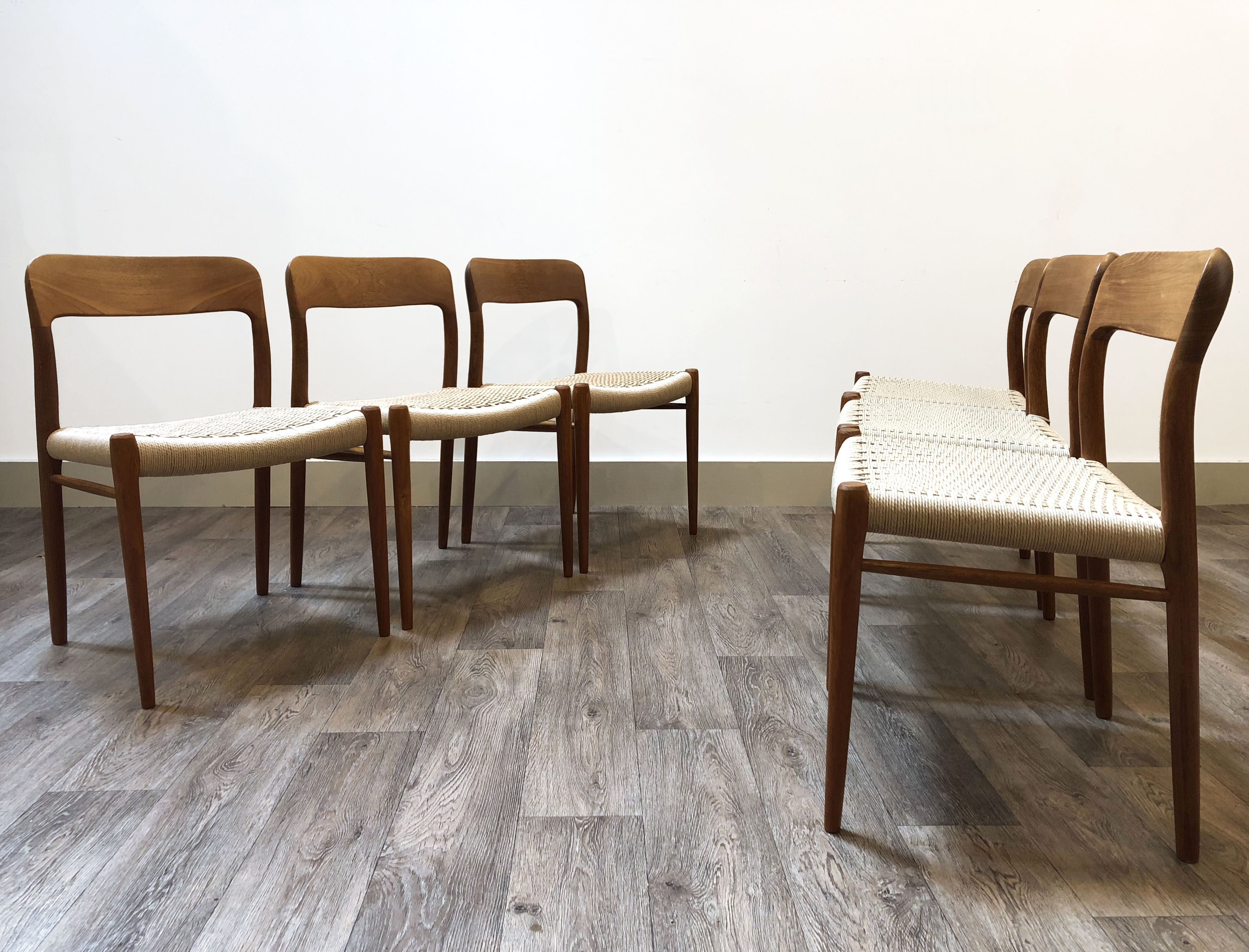 Moller 75 Chairs