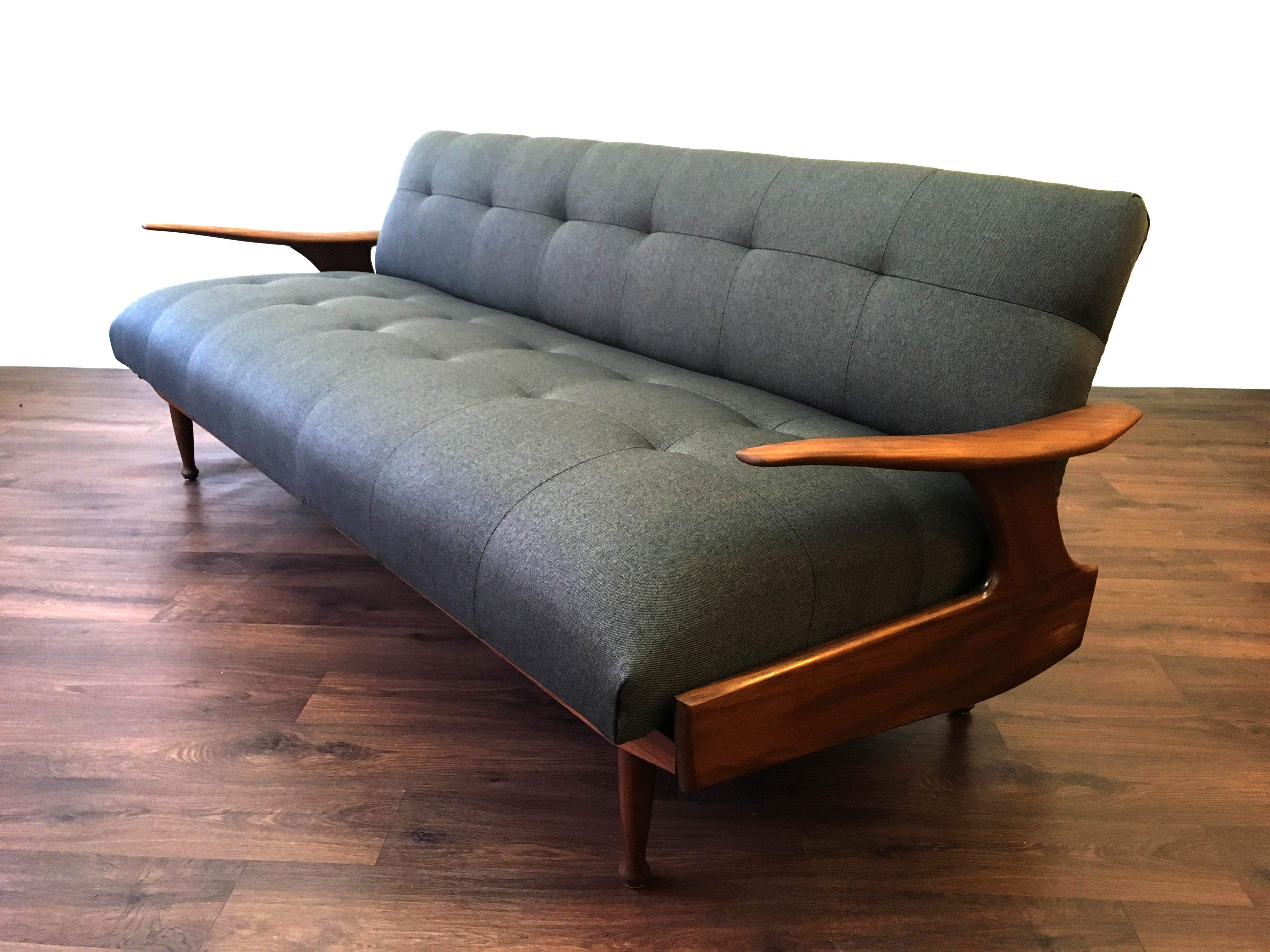 Greaves and Thomas Lofa Lido Sofa
