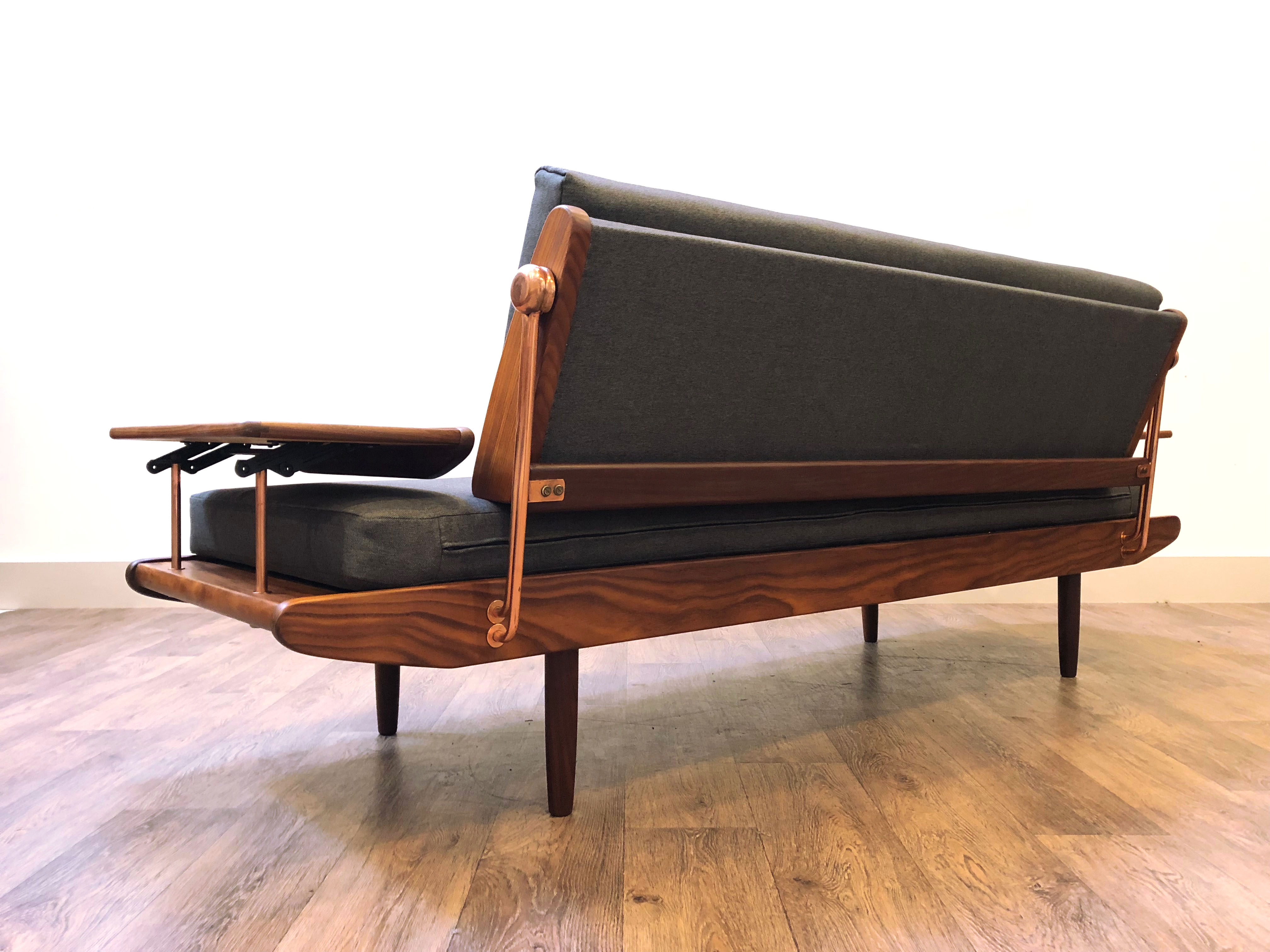 Toothill Daybed