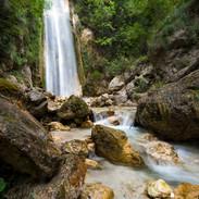 Cascata Oasi Valle della caccia.jpg