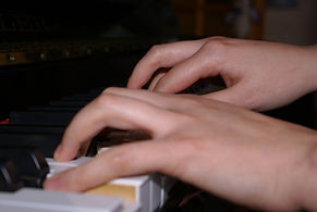 Cours de piano à l'école de musique de Lesparre