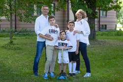 family photoshoot in St Petersburg