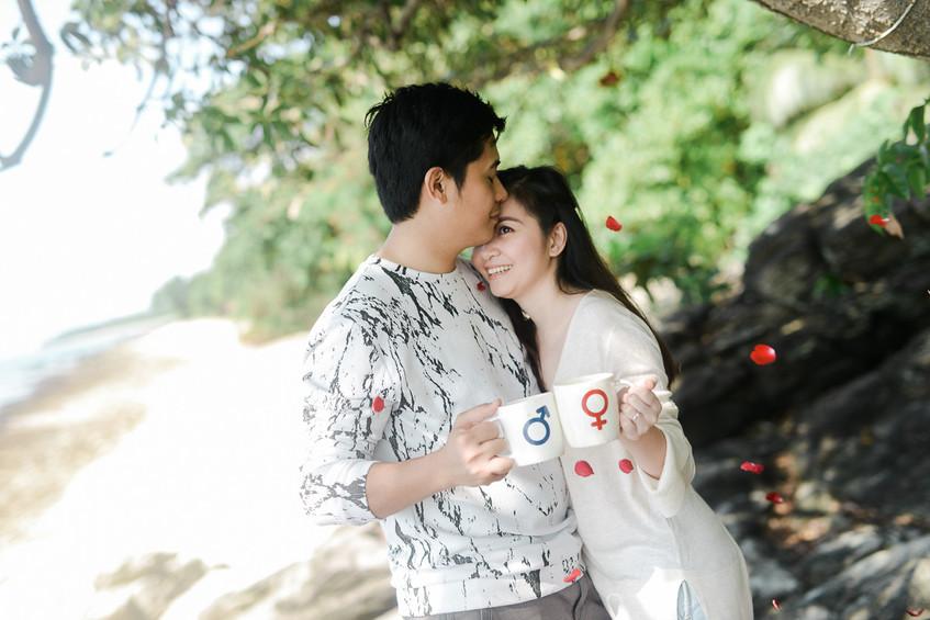 EmmanLyka-Engagement-Palawan-dyancollophoto-159