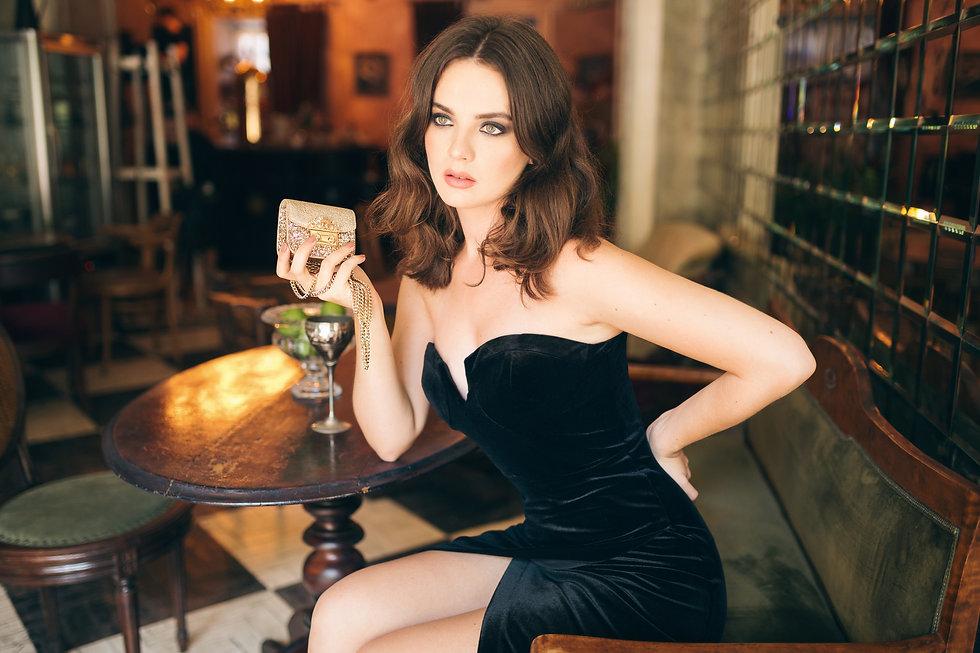 elegant-beautiful-woman-sitting-vintage-
