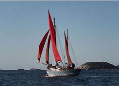 marks boat.JPG