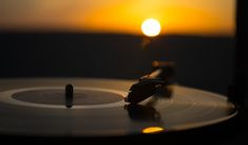 turntable-vinyl-record-player-background