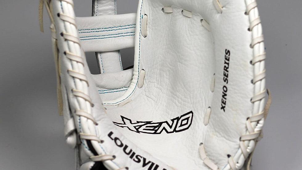 "Louiseville Slugger Xeno 13"" Catchers Glove"
