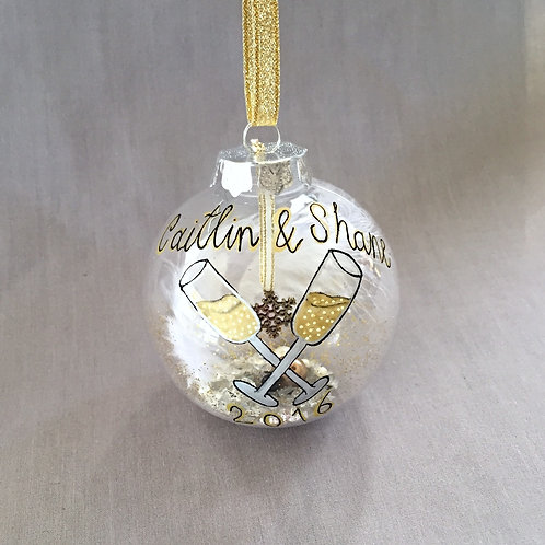champagne gold wine glasses bauble decoration