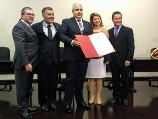 Promotor de Justiça Fernando Akaoui recebe título de cidadão vicentino