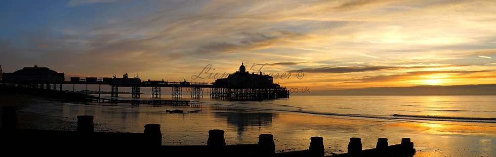 105A12 Sunrise at Eastbourne Pier